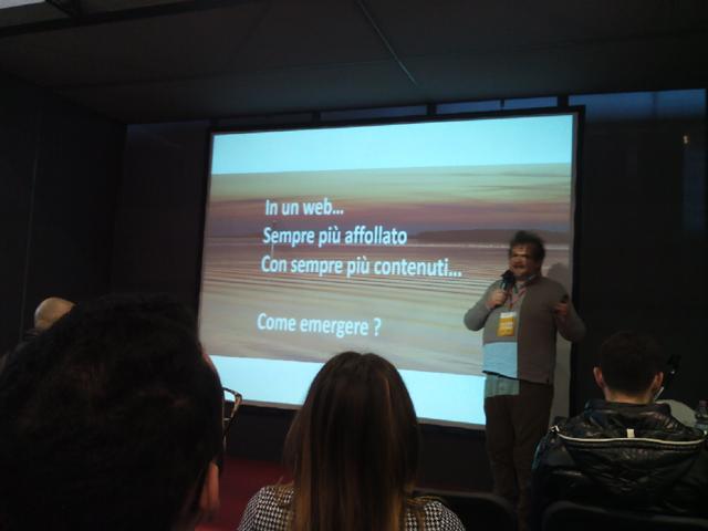 Il web va affrontato in modo strategico, qualche consiglio in qualche slide